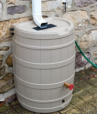 How do you hook up a rain barrel